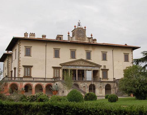 Вилла Франческо и Бъянки в Поджо-а-Кайано, где они были отравлены и умерли.